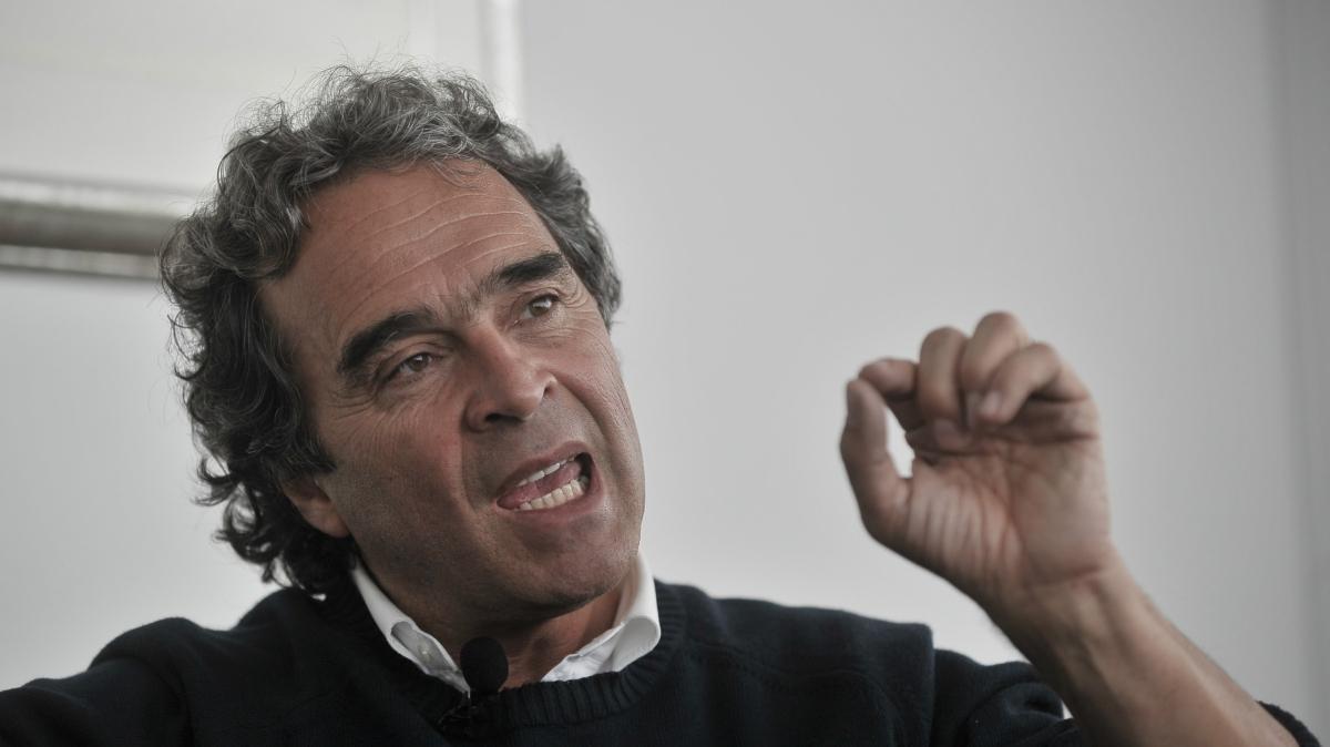 Dedíquele 15 minutos a Colombia: 5 cosas que debe saber sobre Sergio Fajardo